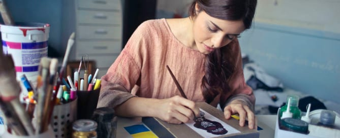 Woman drawing as a creative hobby